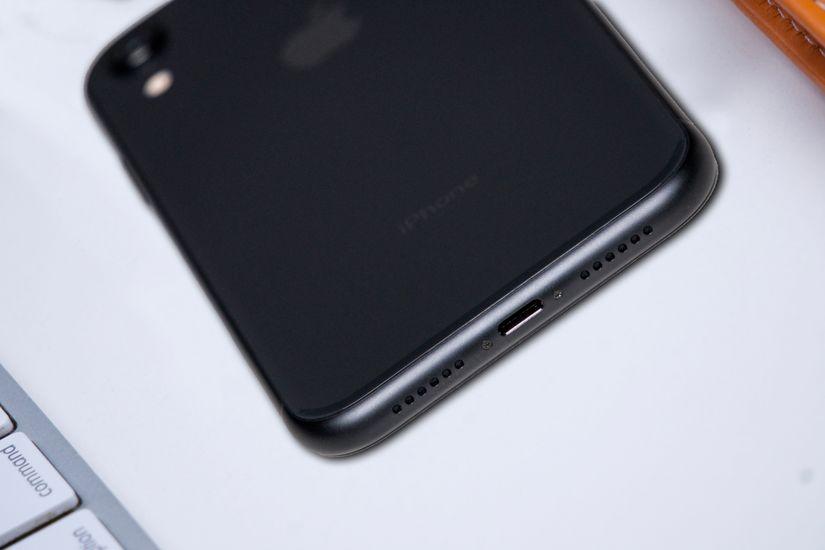 Apple iPhone XR Charging Slot