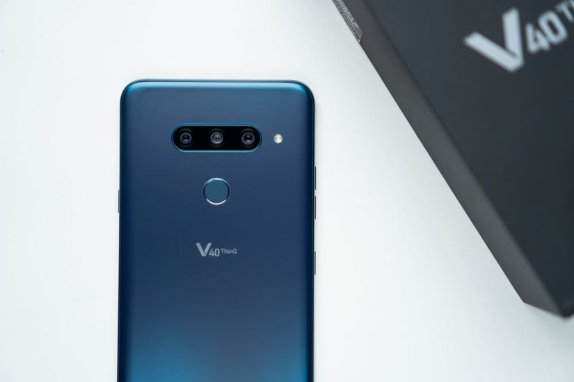 LG V40 ThinQ Images, Official Pictures, Photo Gallery | 91mobiles com