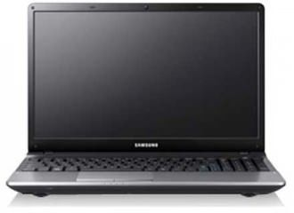 Samsung Series 3 NP300E5Z-S07IN Laptop (Core i5 2nd Gen/4 GB/750 GB/DOS/1 GB) Price